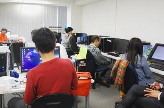 就労創造センターせふぃろと堀江Web制作会議の風景